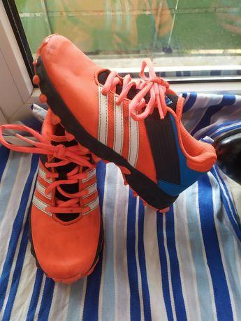 Яркие кросовки Adidas размер 33