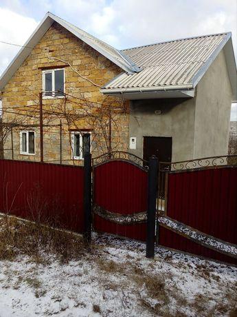 Продається дачний будинок