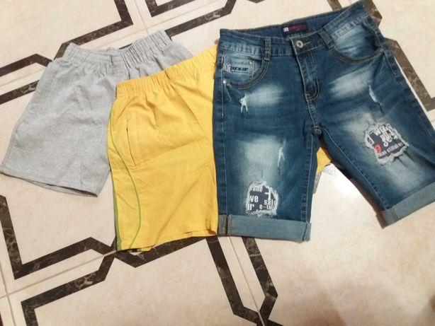 Шорти на хлопчика в ідельному стані.джинсові ,котонові і балонові.