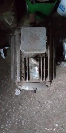 Silnik elektryczny 7,5 kW 5,5 kW uszkodzony do przewinięcia