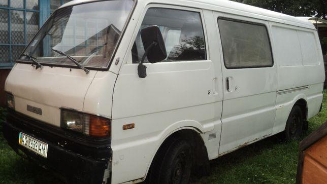 Продам автомобіль,бус мазда Е2200 на ходу з документами.