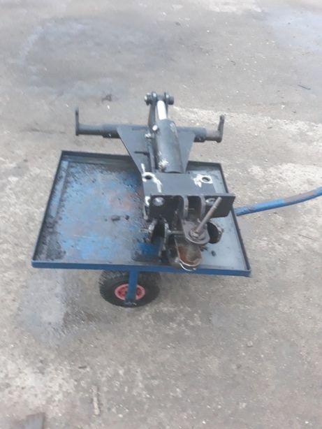 Zaczep hydrauliczny