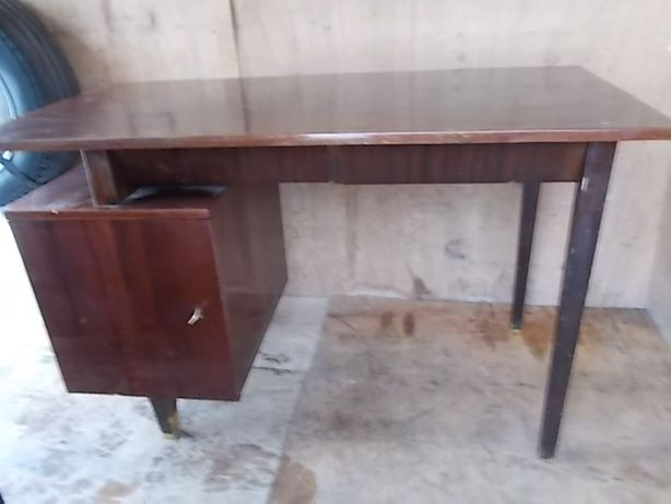 Stare biurko kultowy projekt Puchały.