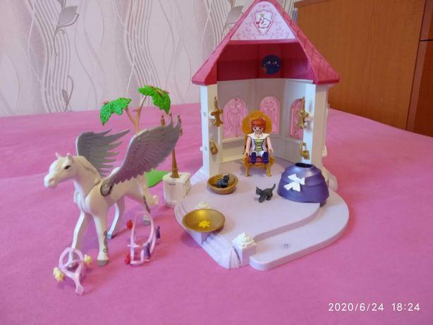 Playmobil Altanka z księżniczką i koniem.