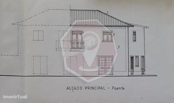 Moradia T2 geminada com comércio no R/C - Branca - Albergaria-a-Velha