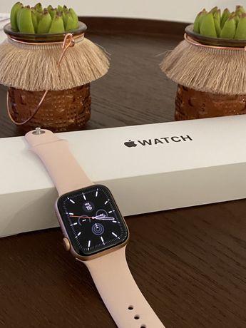 Novo - Apple Watch SE GPS + Cellular / Caixa 44mm Dourado