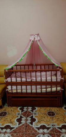 Детская кроватка маятник с ящиком+все что в кроватке