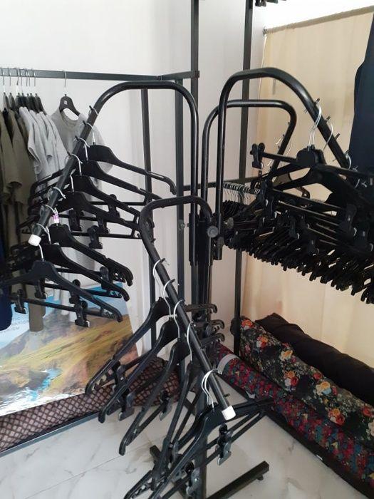 Продажа манекенов, вешалок и стеллажей Киев - изображение 1