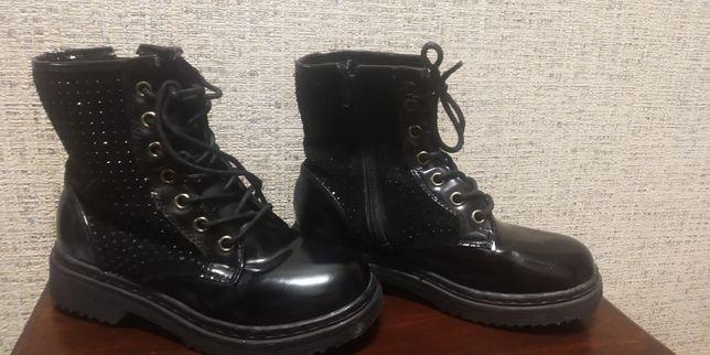 Ботинки осенние-лак
