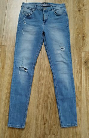 Spodnie jeansowe Bershka