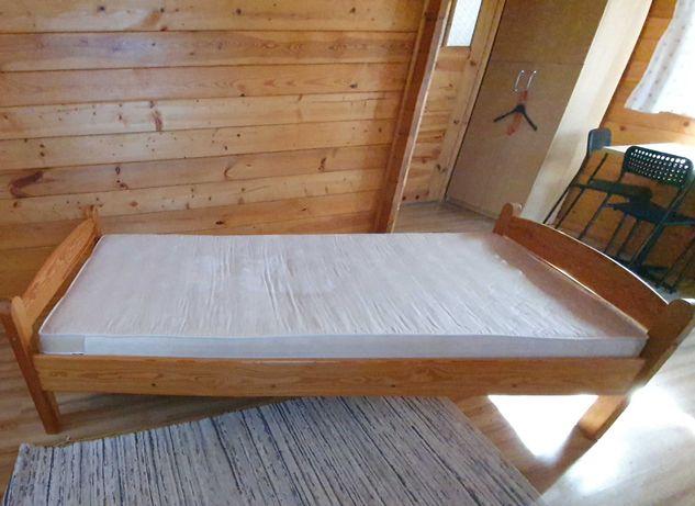 Łóżko sosnowe z szafką nocną