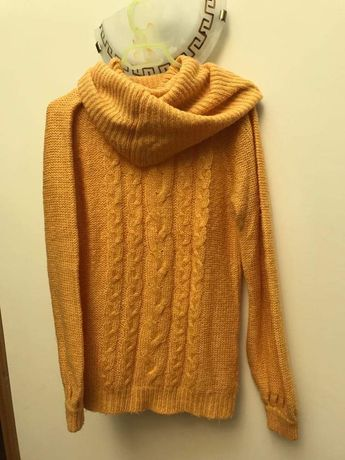 Camisola de lã amerala com gola alta