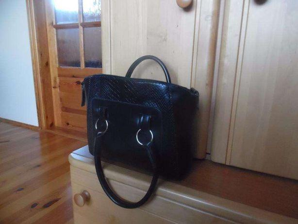 torba torebka damska czarna podreczna