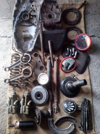 Фрагменты части двигателя Мт 1036.Состояние хорошее.Гитара с шестерн