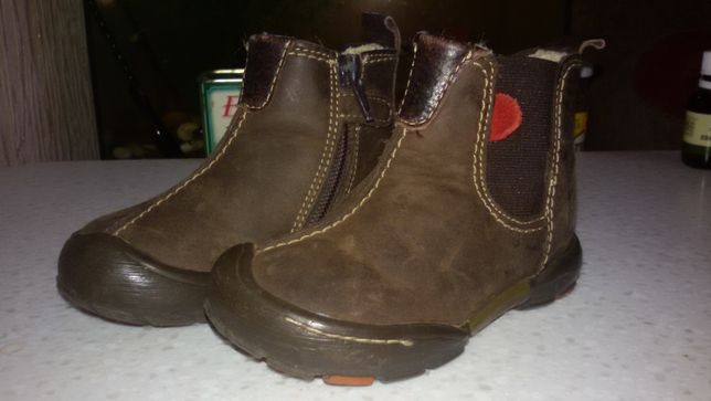 Продам обувь для маленьких 21-27 р.зимняя и деми.