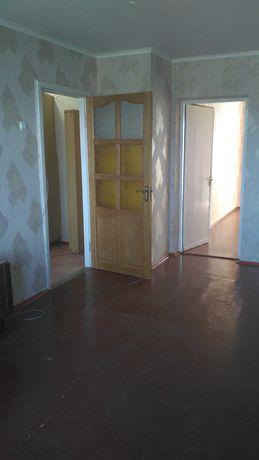 Продается  двух комнатная  квартира,  Житомир центр.