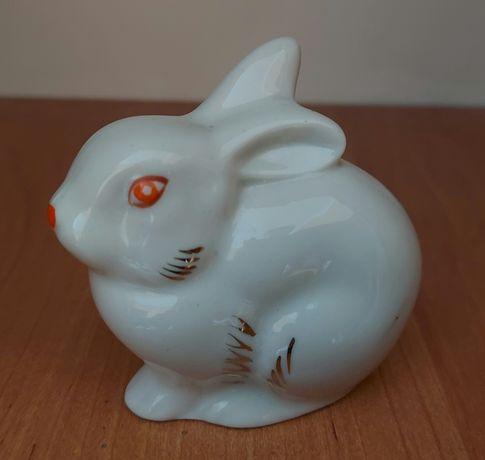 Фарфоровая фигурка заяц