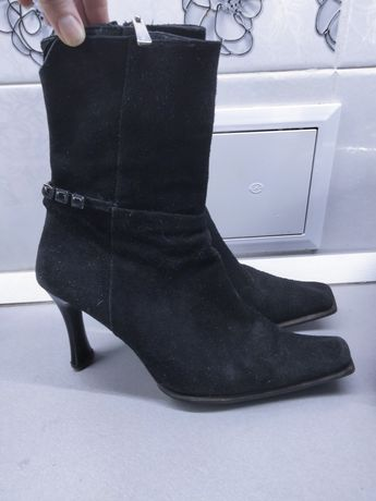 Сапожки,ботиночки 39розмер