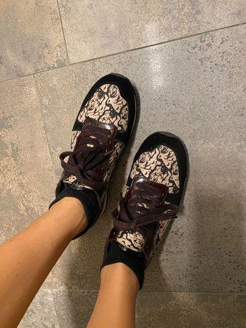 Продам оригинальные кроссовки kenzo