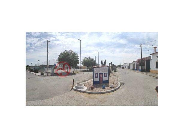 Moradia Térrea T3 em Canhestros, Ferreira do Alentejo