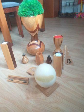 Conjunto peças de madeira