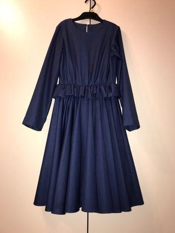 Платье нарядное на девочку 10-11 лет рост 140-146 синий цвет шерсть