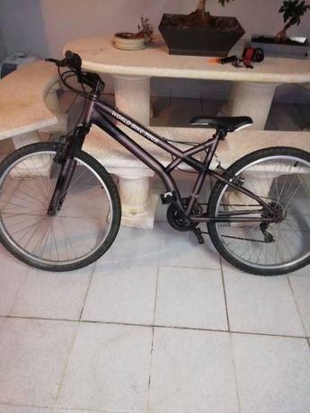 Bicicleta usada tudo a funcionar