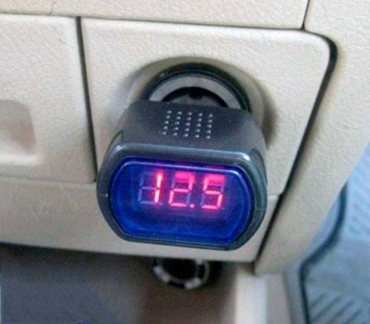 Универсальный автомобильный прибор - измеритель.