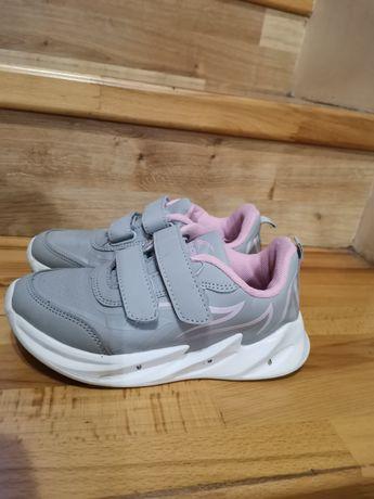 Продам Дитячі кросівки