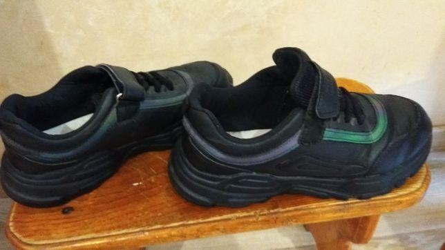Кросовки 37 розмір