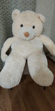 Мягкая игрушка большой медведь.