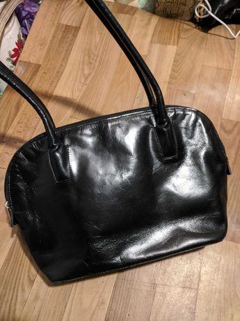 Продам сумочки из натуральной кожи в хорошем состоянии не дорого