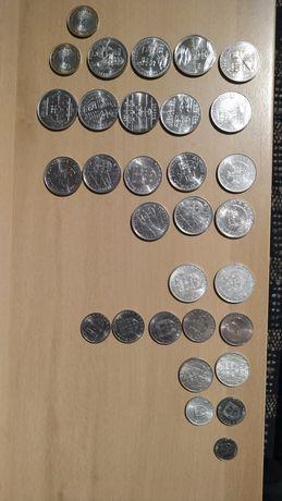Lote de 399 moedas antigas (escudos, centavos, reis e muitas outras)