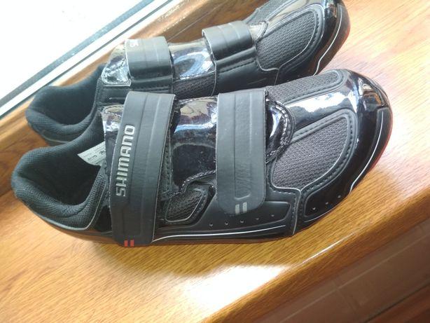 Шосейні кросівки