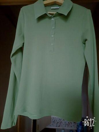 Футболка (рубашка), блузка.