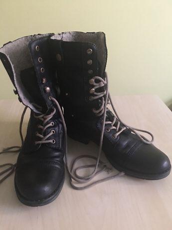 Sprzedam buty zimowe skórzane r.38 w typie glanów