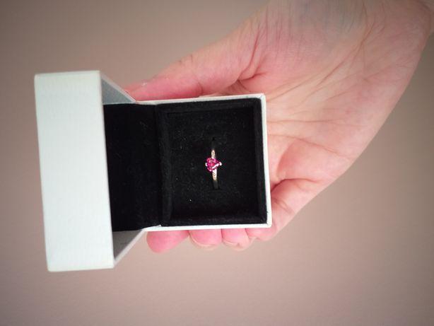 Pandora pierścionek serce, stan idealny,rozmiar 52