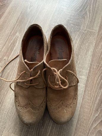 Vendo sapatos tamanho 39