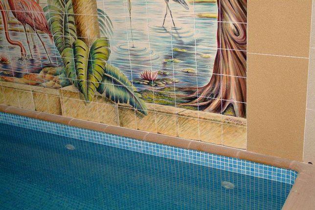 Paineis de azulejos para piscinas
