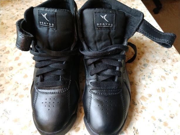 Ботинки,сникерсы 36р
