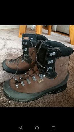 Nowe skórzane buty AKU - w góry, na codzień
