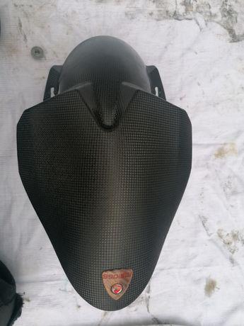 Ducati błotnik przód Carbon