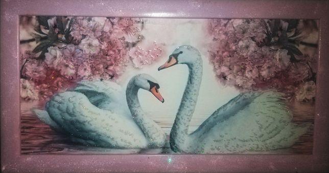 Новая! Чудесная картина с лебедями
