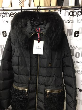 Пуховик пальто, куртка с мехом MONKLER , пух 90% , натуральный мех.