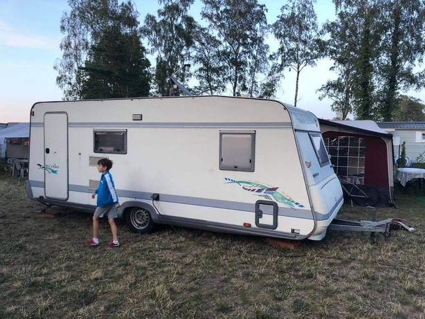 Przyczepa campingowa 4-osobowa