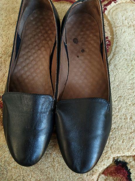 Кожаные туфли 39 розмер