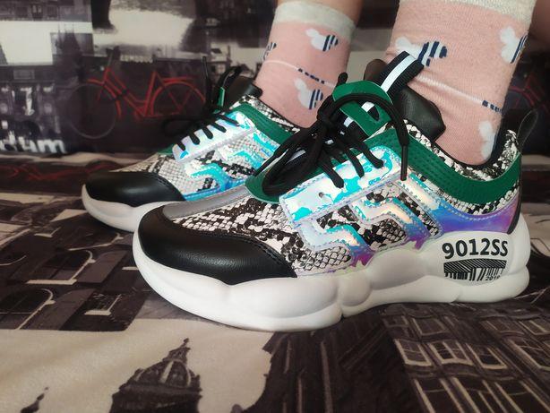 Новые кроссовки!!! Супер цена!!!
