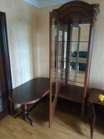 Дерев'яні меблі для вітальні