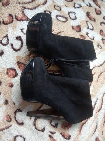 Туфлі замшеві 37 розмір б/у