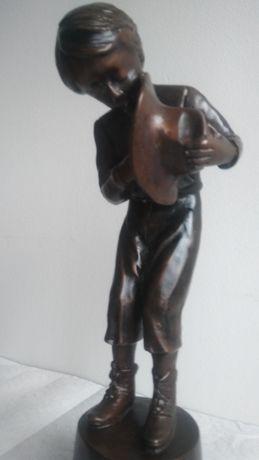 Figura z brazu A.Moreau